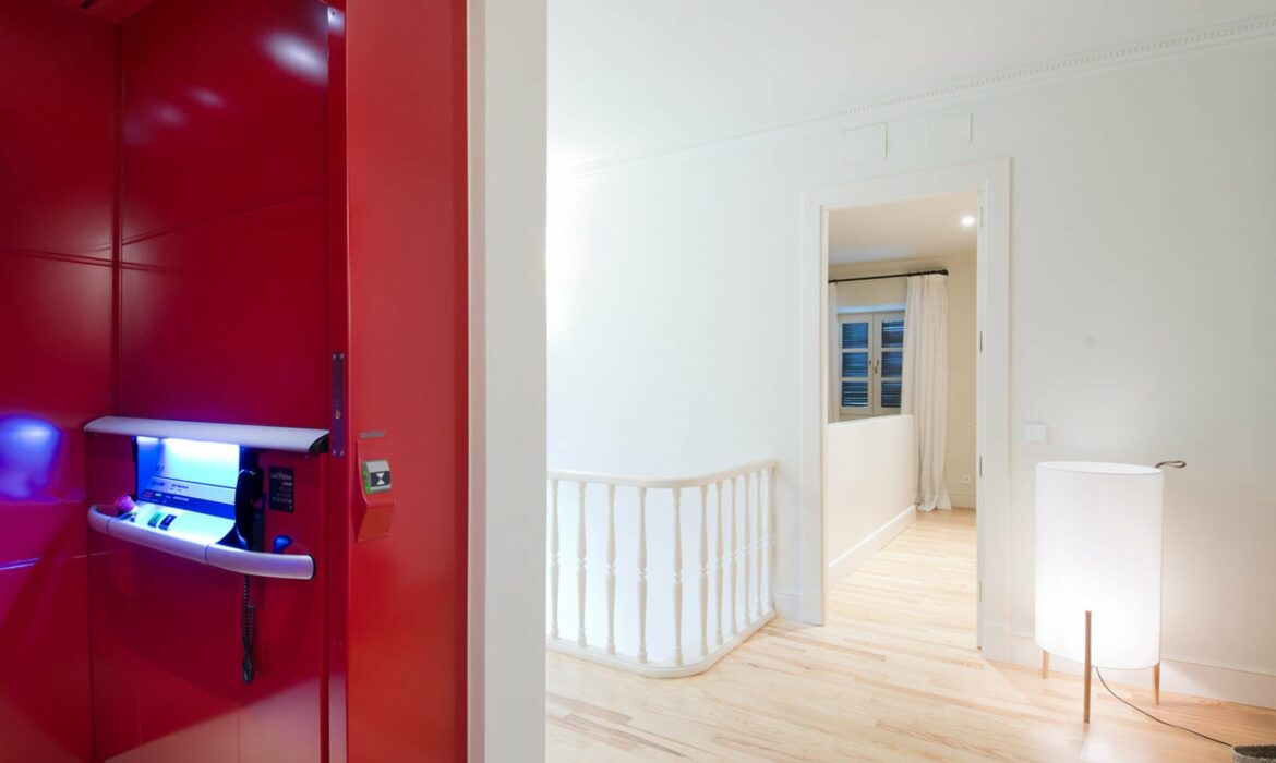 Platform lift in residential home