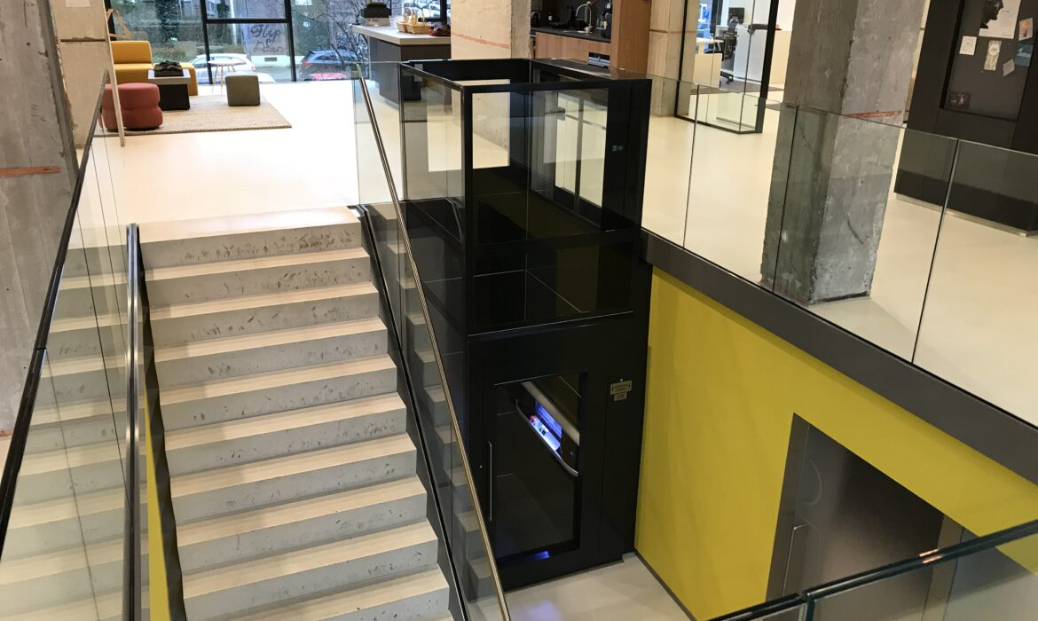 Amsterdam wheelchair accessible lift