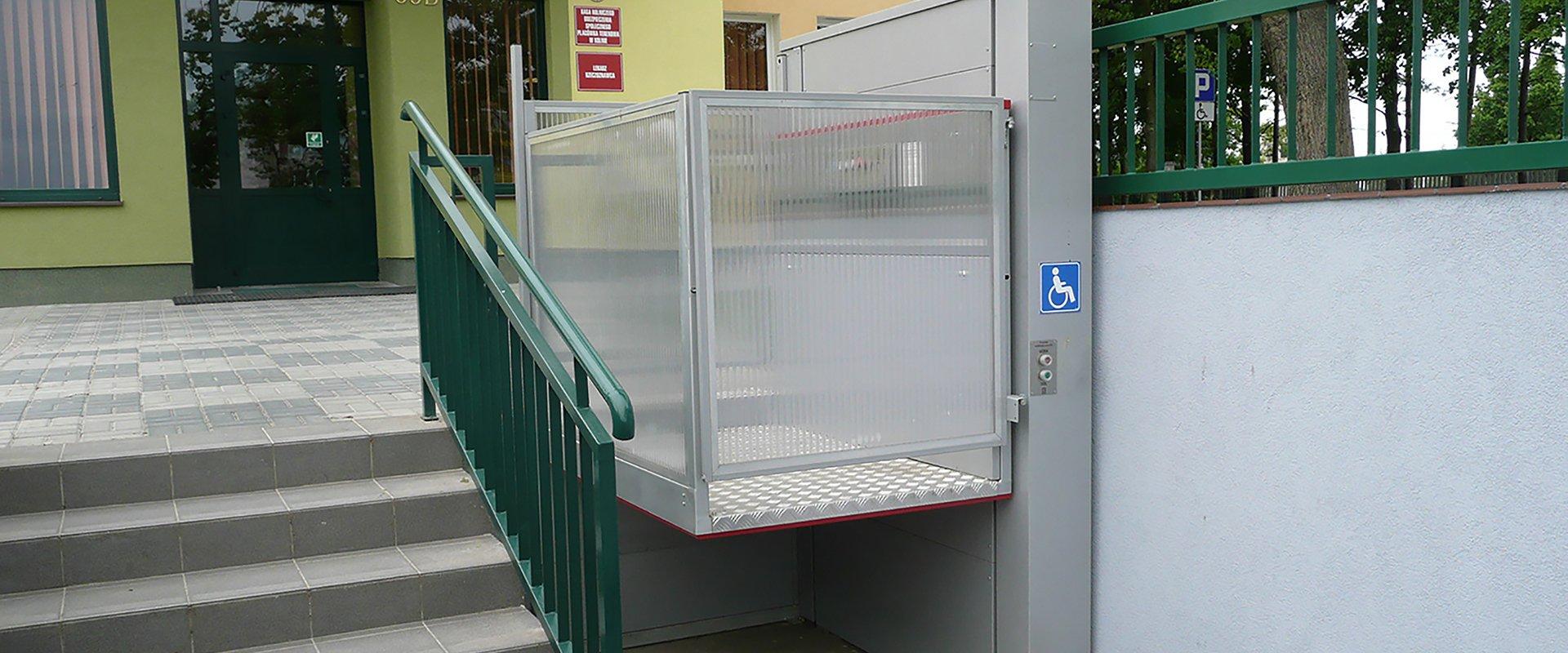 Open platform lift