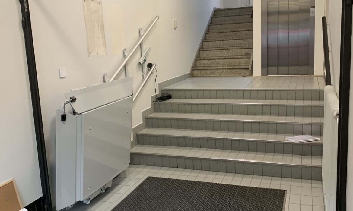 Wheelchair lift on stairs