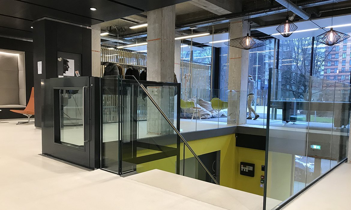 Contemporary office design in black and yellow
