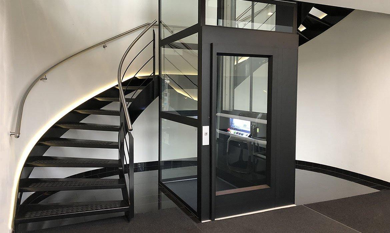 Lift colour matte black