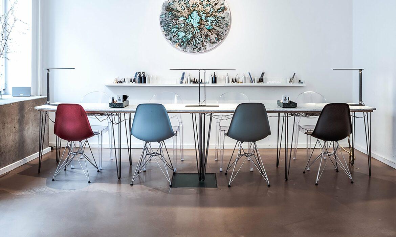 Blue lift finish matching Eames chairs