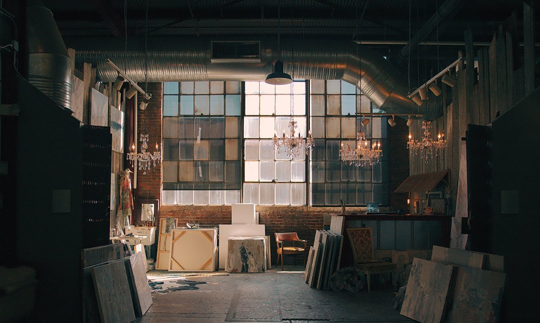 Artistic industrial chic apartment
