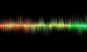Extended voice announcement for platform lifts