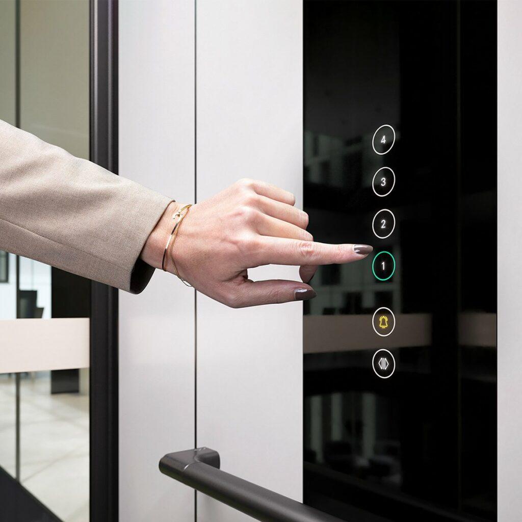 Touchscreen lift controls C1 Pure cabin lift