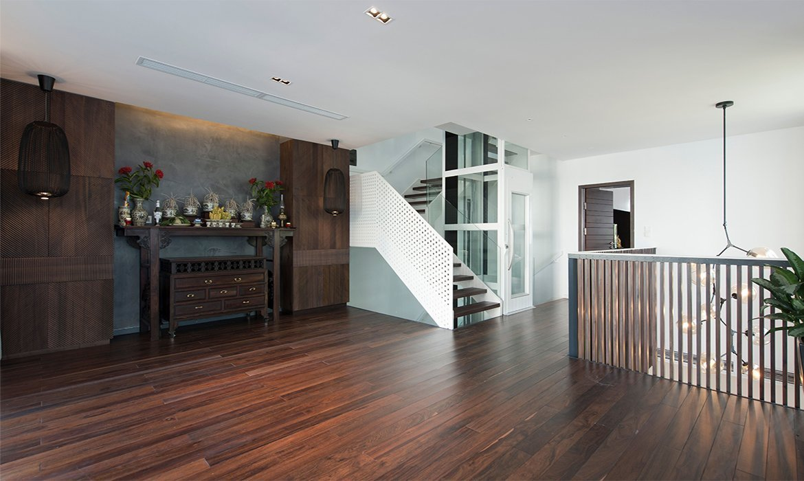 Home lift middle floor