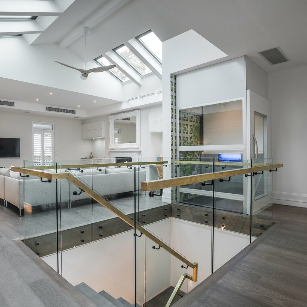 Residential lift in beach house