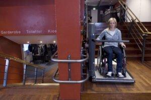 Cibes S6 wheelchair lift