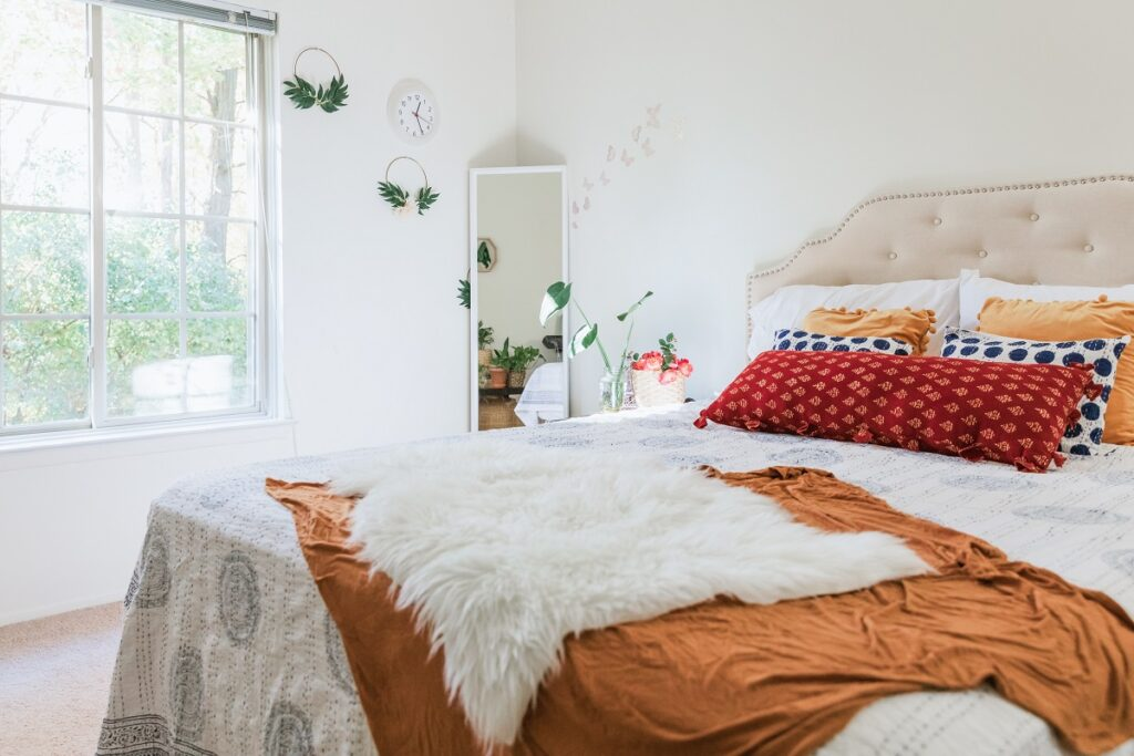 Bedroom Bedding With Pillows