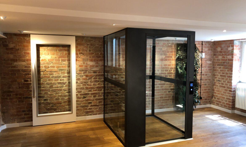 Showroom Fahrstuhl