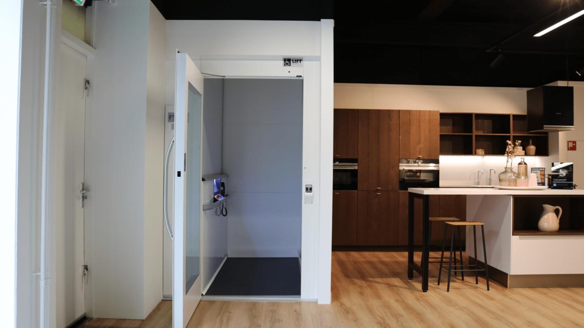 Personenlift in einer Küche