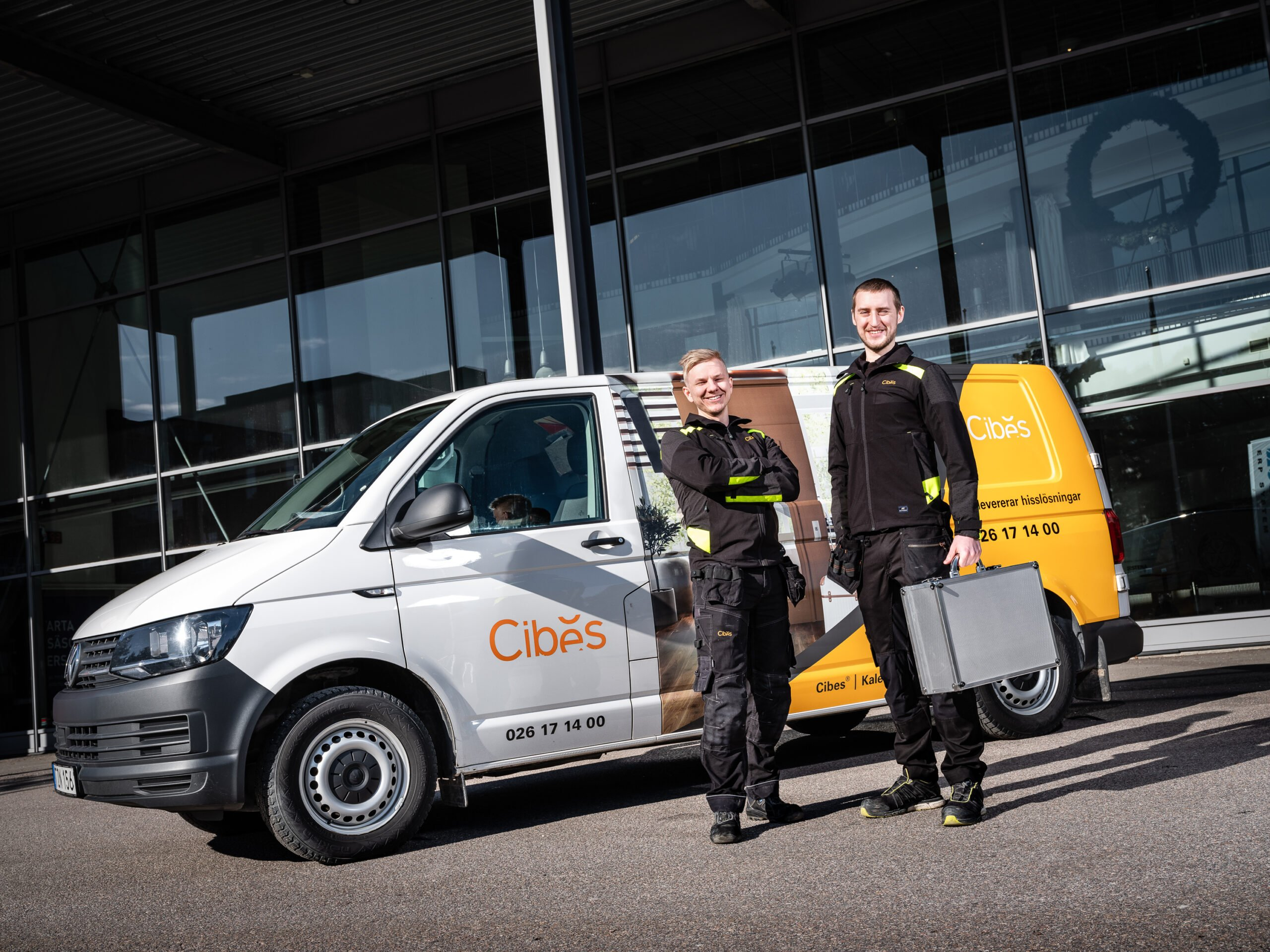 Cibes Lift UK Recruiting Service and maintenance engineer