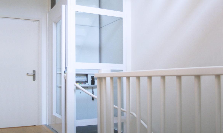 Lift In Huis : Stijlvolle duurzame betaalbare huisliften aesy liften