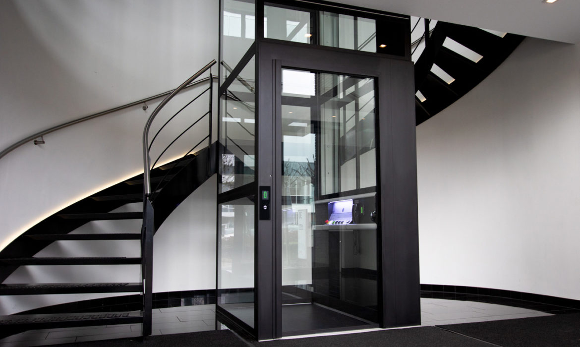 Ontdek een Aesy lift in de showroom