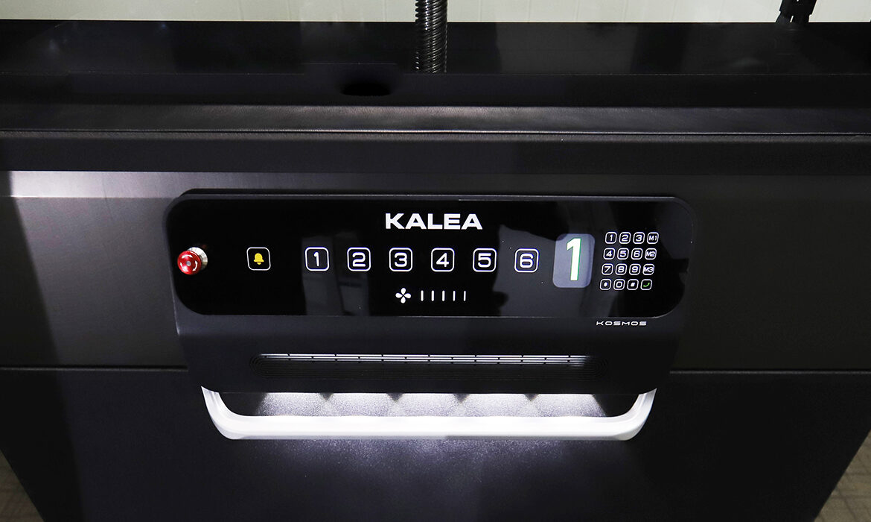 Kalea Kosmos X90 platform controls